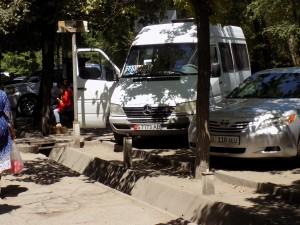 ビシケクから空港へのミニバス始発場所19年6月