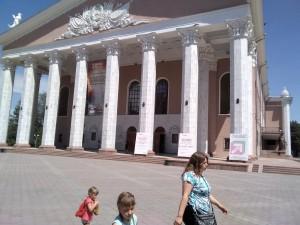 ビシケク オペラ・バレー劇場 19年5月