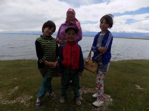 バルクチ, 湖に来ていた家族