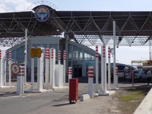 キルギス側国境検査所 19年6月